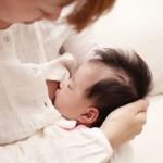 赤ちゃんの離乳食、母乳離れの時期はいつごろなのか? 成長に影響するの?
