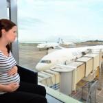 知っておきたい!妊娠中の飛行機に乗るときの工夫とは?